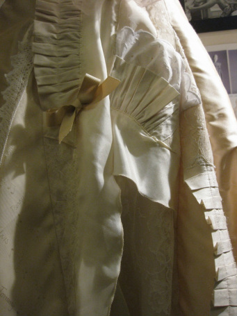 Detail of Atelier Redolent 1(pressed pleats and gathers).